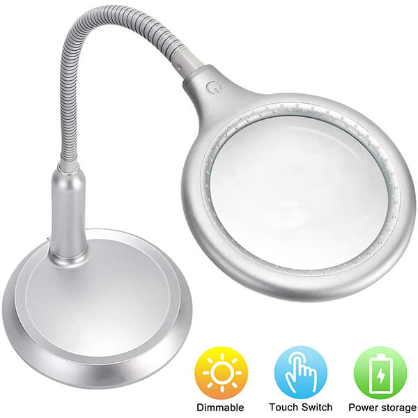 Magnifying Lamp With USB Charging Port